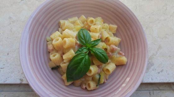 Creamy Pasta With Potatoes & Bacon: Quick Italian Recipe